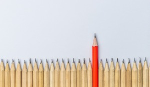 different-pencil-standout-show-leadership-concept-picture-id1175502026